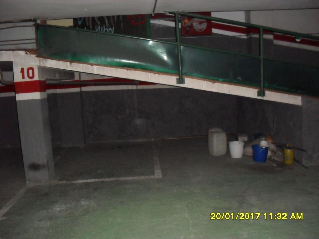 Pisos alquiler casas locales inmobiliaria barcelona for Plaza de garaje almeria